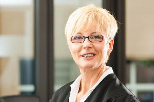 Schmerzensgeld bei Ellenbogenfraktur: Ein Rechtsanwalt hilft Ihnen weiter!