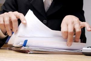 Schmerzensgeld bei einer Rippenprellung: Brauche ich einen Anwalt?