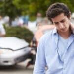 Eine HWS-Zerrung führt zu großen Schmerzen beim Geschädigten.