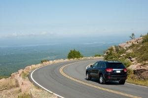 Das Autofahren ist nach einer Bypass-OP oft erst nach mehreren Wochen wieder möglich.