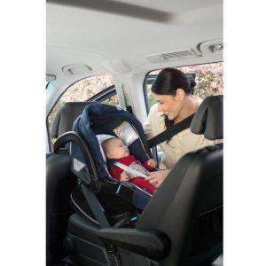 babyschale auf beifahrersitz