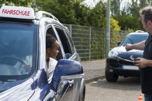 Eine geistige Behinderung  muss kein Hindernis für den Führerschein sein.