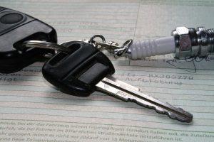 Ein neues Auto zulassen: Hierfür müssen Sie sich an die Kfz-Zulassungsstelle wenden.