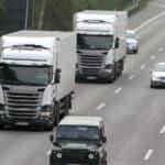 Das an Gefahrenstellen eingerichtete Überholverbot soll schwere LKW-Unfälle verhindern.
