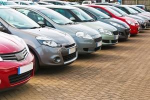Auto nicht vergessen: Haben Sie sich ein neues Auto gekauft? Beim Fahrtraining können Sie beide sich bekanntmachen.