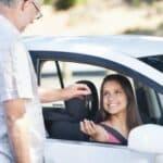 Das Fahrsicherheitstraining ist besonders für Fahranfänger die ideale Möglichkeit, ihre Fähigkeiten zu verbessern und sich an ihren Wagen zu gewöhnen.