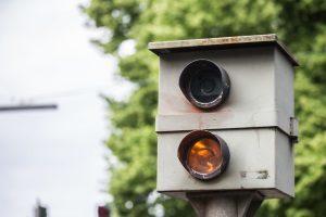Geblitzt, was jetzt? Ist das Blitzerfoto nicht eindeutig, erhält der Fahrzeughalter einen Anhörungsbogen.