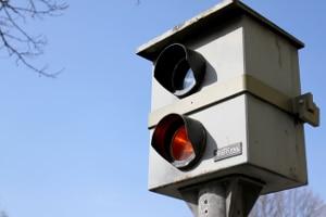 Wie funktioniert die Geschwindigkeitsmessung durch private Blitzer und ist das überhaupt erlaubt?