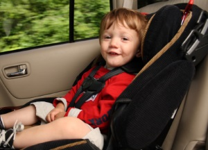 In Luxemburg sieht der Bußgeldkatalog Sanktionen vor, wenn Kinder im Auto nicht ordnungsgemäß gesichert sind.