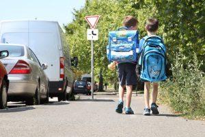 Zu Verkehrserziehung in der Grundschule gehört auch das Schulwegtraining.