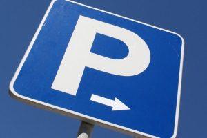 Das Verkehrszeichen Nr. 314 muss auf der elektronischen Parkscheibe zu sehen sein.