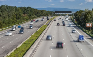Sind Fahrer zu schnell, werden sie geblitzt. Auch in Polen bedeutet das ein Bußgeld.