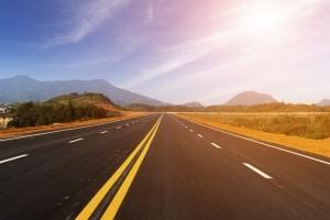 Die zulässige Geschwindigkeit ist in den USA in den Bundesstaaten unterschiedlich geregelt.