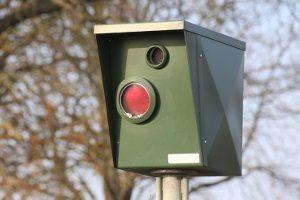 Stationäre Blitzer: Bekannt sind vor allem die sogenannten Starenkästen.