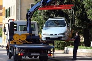 Missachten andere Autofahrer das Halteverbot bei Ihrem Umzug, können deren Fahrzeuge unter Umständen auch abgeschleppt werden.