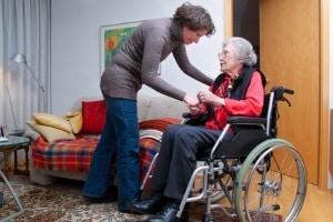 Parkinson und Autofahren: Mit den Fragen um dieses Problem müssen sich besonders alte Menschen beschäftigen.