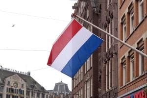 Verkehrsregeln der Niederlanden: Für einen Kreisverkehr gibt es keine besonderen Vorgaben zu beachten.
