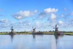 Reisende sollten sich mit den Verkehrsregeln der Niederlande vertraut machen.