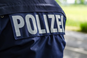 Das Ferienverbot für LKW gilt nicht für LKW der Polizei.