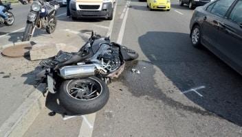 Eagl, ob ein Motorradunfall in Engladn, Wales oder Schottland geschieht, die Regeln für das richtige Verhalten sind die gleichen.