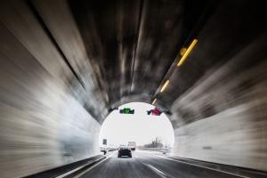 Ein Unfall in der Schweiz im Tunnel ist keine Seltenheit.