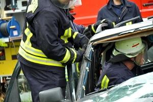 Bei einem Verkehrsunfall in Österreich wählen Sie die 122.