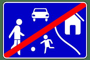 Das Verkehrszeichen 325-2 zeigt an: Die Spielstraße ist vorbei und die Schrittgeschwindigkeit aufgehoben.