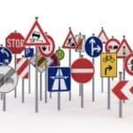 Verkehrzeichen in der Übersicht: Gefahren-, Richt-, Vorschrift- und Zusatzzeichen sowie Verkehrseinrichtungen.