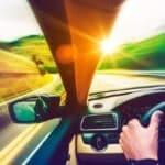 Die Teilnahme an einem Fahrsicherheitstraining für Fahranfänger kann Unsicherheiten entgegenwirken.