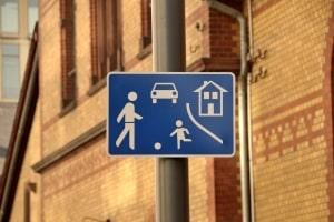 Geblitzt: Auch in der Spielstraße drohen Bußgelder, Punkte und Fahrverbote.