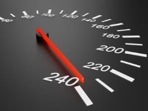 Geschwindigkeitsbegrenzung in Deutschland: Auf der Autobahn kann es Streckenverbote geben.