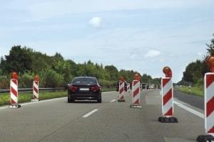 Aus vielerlei Gründen kann ein Tempolimit auf der Autobahn Ihre Fahrt stoppen.