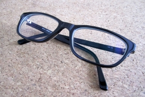 Benötigen Sie eine Brille zum Autofahren, wird dies in Ihrem Führerschein vermerkt.