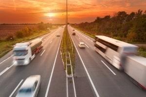 Aufgabe der Berufsgenossenschaft:  Das Fahrsicherheitstraining für LKW-Fahrer erstellen.