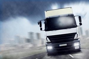Einen LKW zu fahren, ist ohne Führerschein selten möglich.