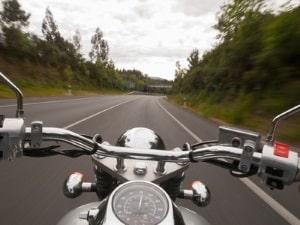 Mit dem Motorrad ist ein Fahrtraining auf einer Rennstrecke ebenfalls möglich.