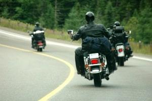 Mit dem Motorrad ein Kurventraining zu durchlaufen, kann zur Verkehrssicherheit beitragen.