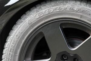 Was für Regelungen gelten im Bezug auf das Reifenalter?