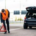 Auch durch die Vorgaben der Berufsgenossenschaft besteht eine Warnwestenpflicht für LKW-Fahrer.