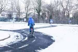 Für welche Fahrzeuge gilt eine Winterreifenpflicht und welcher Zeitraum ist dafür vorgesehen?