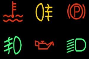 Kontrollleuchten sollen im Fahrzeug über den Zustand der Systeme informieren und warnen.
