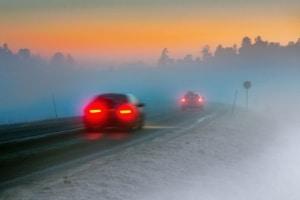 Im Gegensatz zum Tagfahrlicht dürfen Nebelscheinwerfer nur bei schlechter Sicht genutzt werden.
