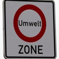 In die Umweltzone darf die gelbe Plakette meist nicht mehr.