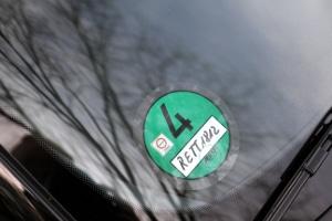 Euro 1: Eine Umweltplakette der Euro-1-Abgasnorm gibt es nicht - eine Umrüstung auf Grün ist aber auch in der Regel nicht möglich.