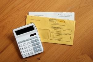 Erheben Sie gegen einen Bescheid bzw. eine Ordnungswidrigkeit Einspruch, muss evtl. das Bußgeld noch einmal geprüft werden.