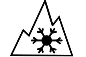 Allwetterreifen sind im Winter nur zulässig, wenn sie das Alpine-Symbol aufweisen - oder vor 2018 produziert wurden.