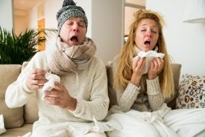 Mit der falschen Kleidung kann das Fahrradfahren im Winter schnell zur Erkältung führen.