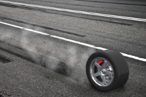 """Reifen mit der Kennzeichnung """"H"""" sind für eine Höchstgeschwindigkeit von 210 km/h zugelassen."""