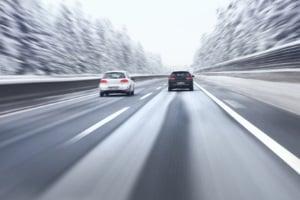 Mit Sommerreifen im Winter zu fahren, kann  gefährlich werden.
