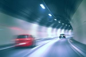 Blitzer mit Infrarot- & Schwarzlicht eignen sich vor allem bei schlechten Lichtverhältnissen (z. B. in Tunneln).